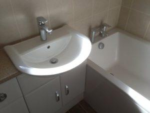 toilet and bathroom in Swindon